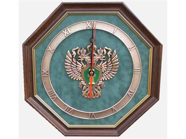 В ассортименте интернет-магазинов, галерей с изделиями ручной работы, сувенирных лавок настенные часы с эмблемой федеральной службы исполнения наказаний – всегда востребованный товар.